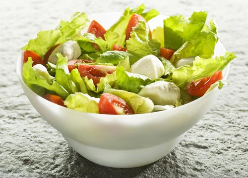 Варианты салатов из сырых овощей